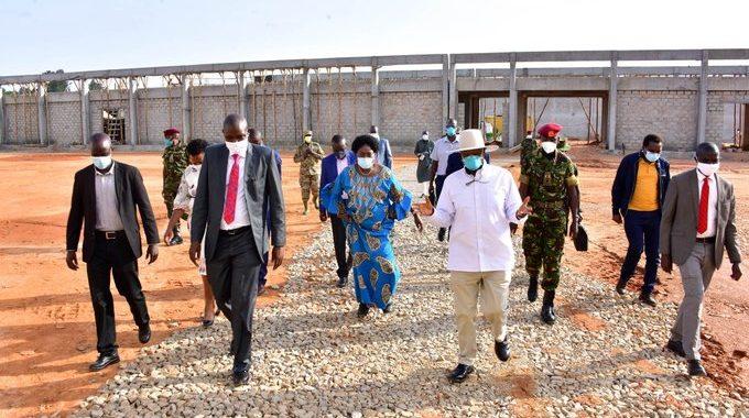 President Museveni along with Speaker Kadaga inspect Magoola's factory (PPU Photo)