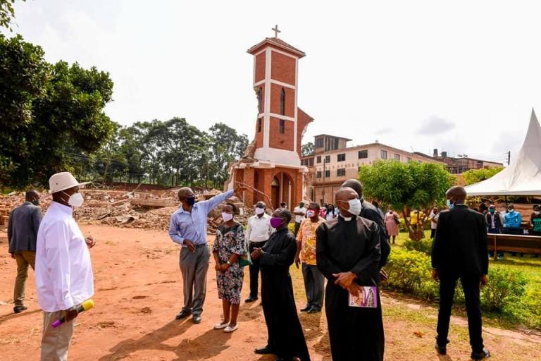 Museveni e Ndeeba