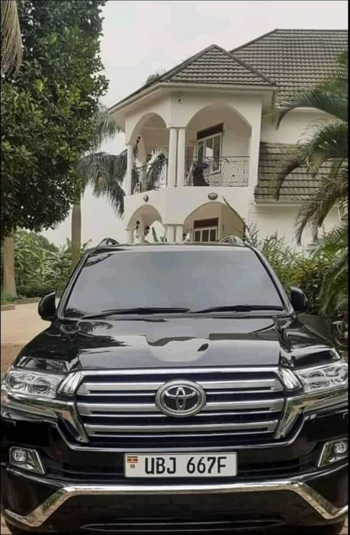 Bobi's armored car packed at his swanky home in Magere